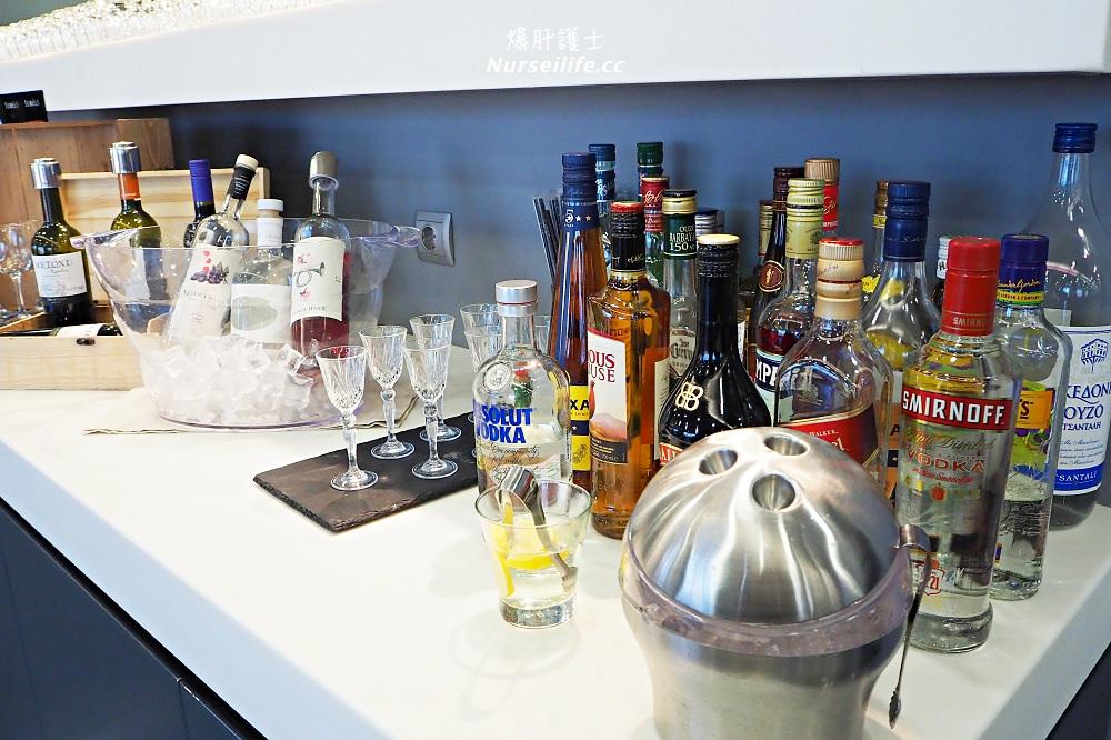 希臘 雅典機場貴賓室.歐洲果然是酒鬼的天堂