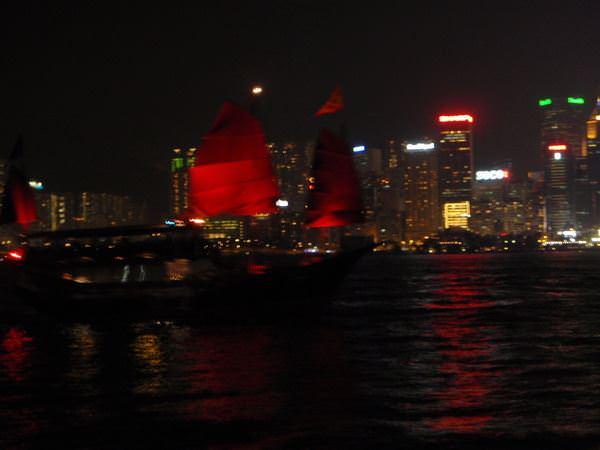 香港大暴走 Day 2-3 尖沙咀的血拼與夜