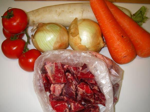 牛肉湯–記憶中牛排館附湯的味道