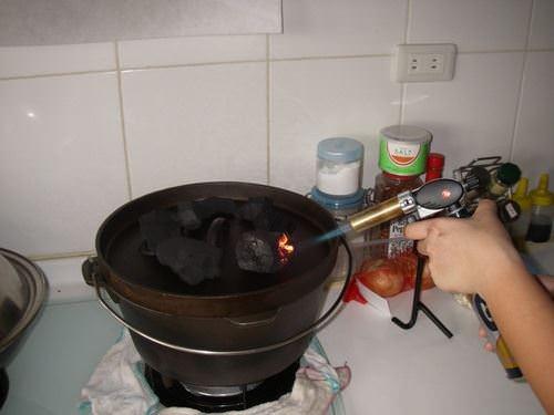 荷蘭鍋第2彈----梅酒蒜頭土窯雞 - nurseilife.cc