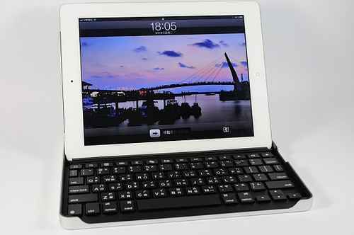 logitech-keyboard-case-ipad2