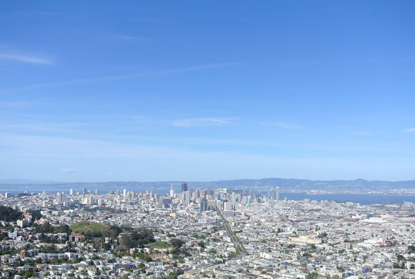 《美國加州》舊金山。Cliff House。St. Mary's Cathedral。San Francisco Twin Peaks