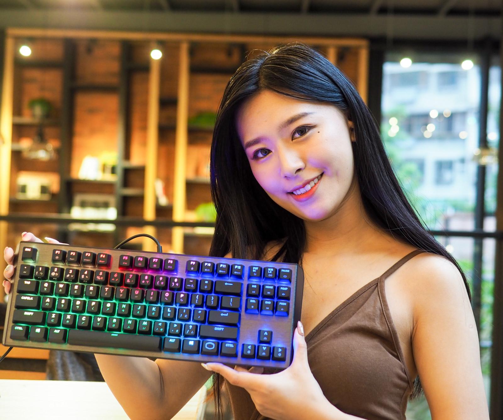 【高CP值機械式鍵盤】Cooler Master CK530機械式RGB燈光鍵盤 短小精幹!
