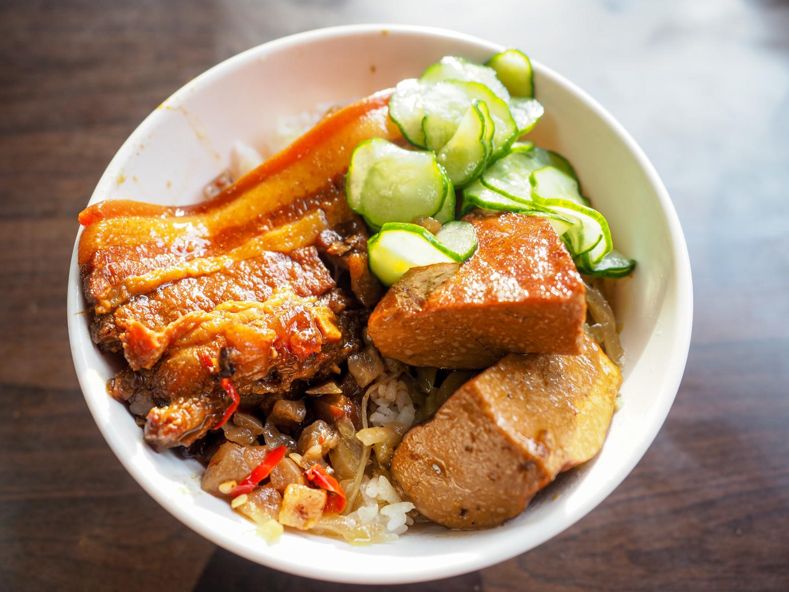【萬華美食】一甲子餐飲 祖師廟焢肉飯 願稱你萬華最強控肉飯