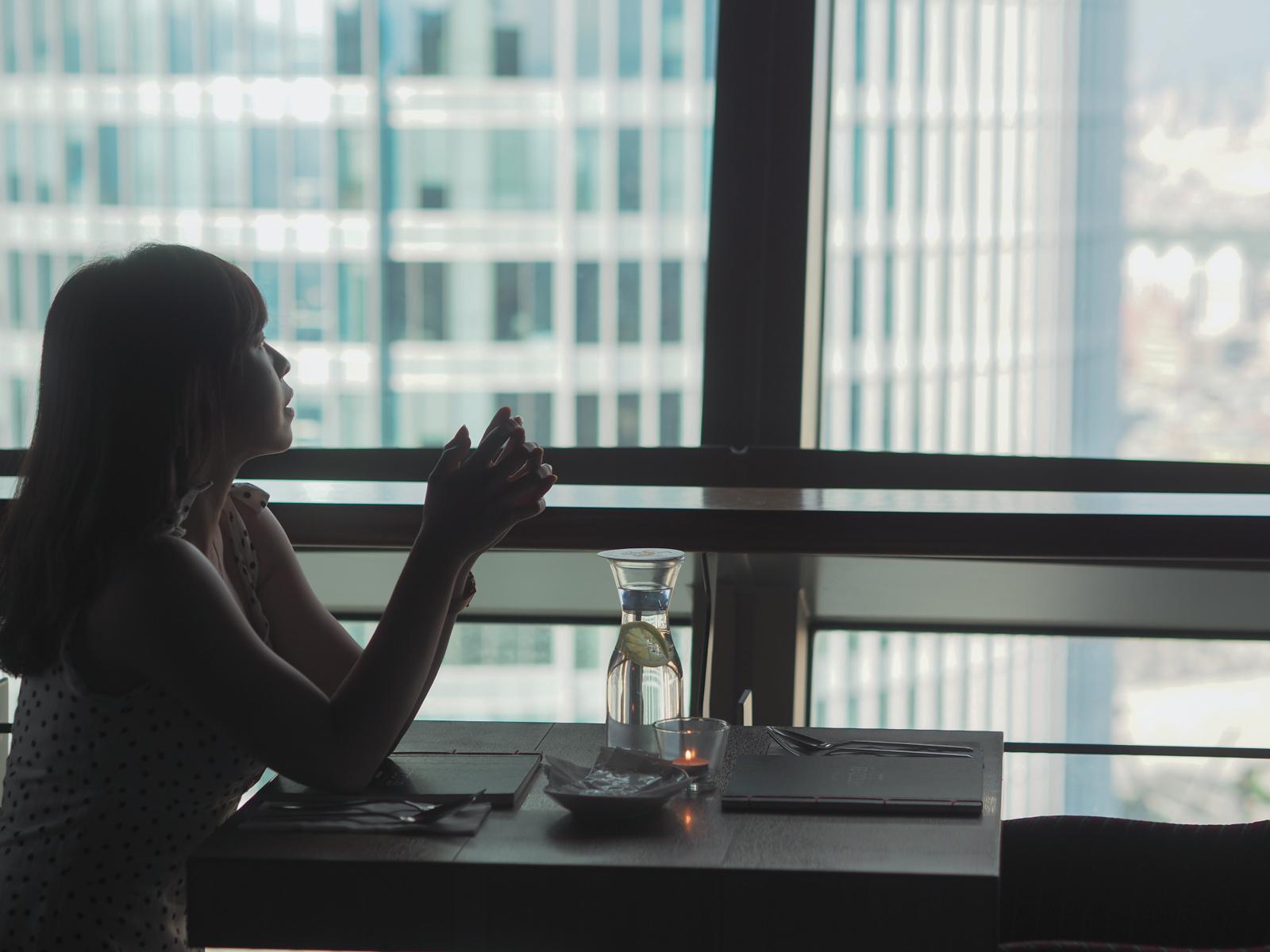 板橋夜景餐廳推薦  典藏33觀景餐廳  黃昏夜景是藝術 餐點也宛如藝術品擺盤又美味