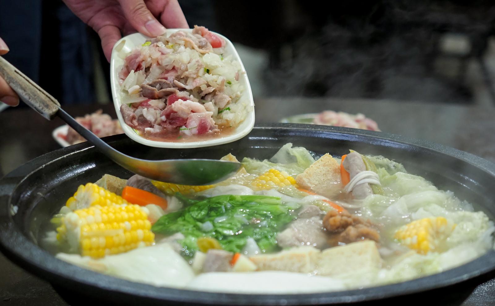 【金山美食】福緣石頭火鍋  湯頭千變萬化隨時都在走  便宜美味石頭火鍋推薦