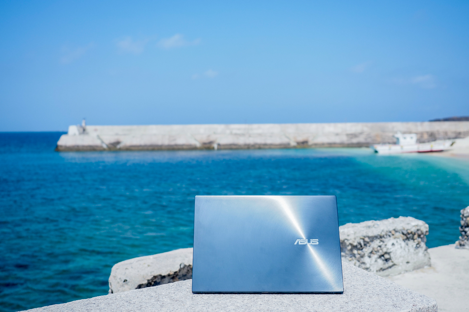 你多久沒在家用筆電上看到AMD了?帶著ZenBook 13 OLED UM325 去澎湖遊玩使用心得