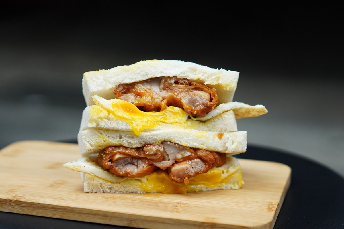 【板橋早餐】稱霸板橋區最柔軟美味吐司!留戀吐司板橋店 雞腿排蛋吐司無敵