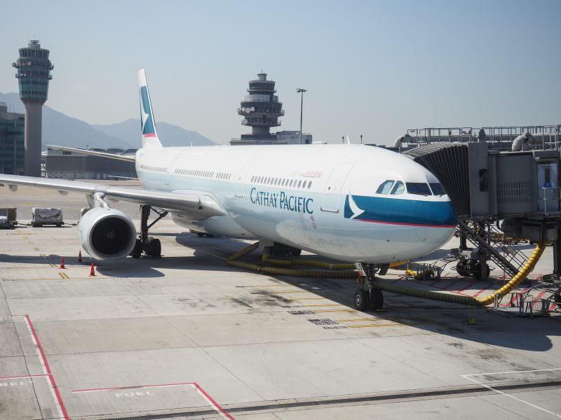 國泰CX台港段飛行記錄+香港機場退離境稅流程 2017/2 JGC修行之一