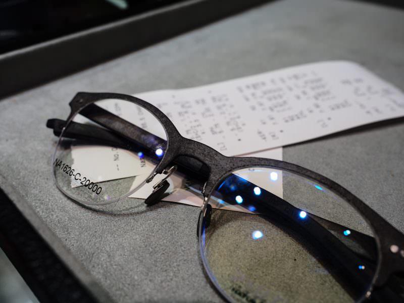 [敗家] 世界獨一無二P+US石頭材質鏡框配鏡記!  久違三年的新眼鏡 !