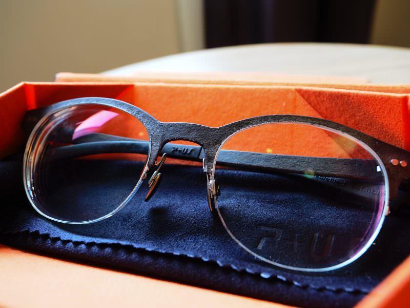 世界獨一無二的岩石紋路鏡框P+US眼鏡實戴心得 只專屬於你!