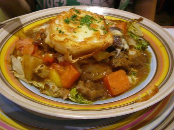 台南 六百元就可以吃到豐盛大餐  加州廚房