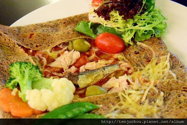【台北食記】天母 法孚Cafe V 法國廚師現做法式薄餅*已結束營業