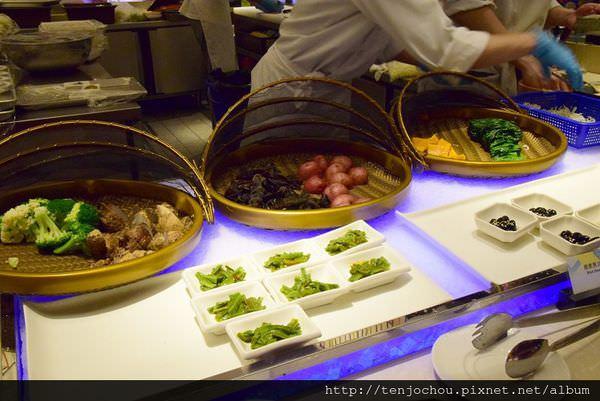 漢來海港餐廳吃到飽-壽司001.JPG