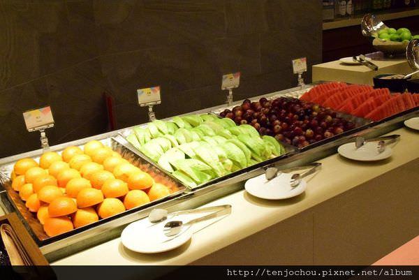 漢來海港餐廳吃到飽-水果005.JPG