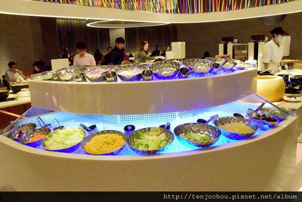 漢來海港餐廳吃到飽-沙拉002.JPG