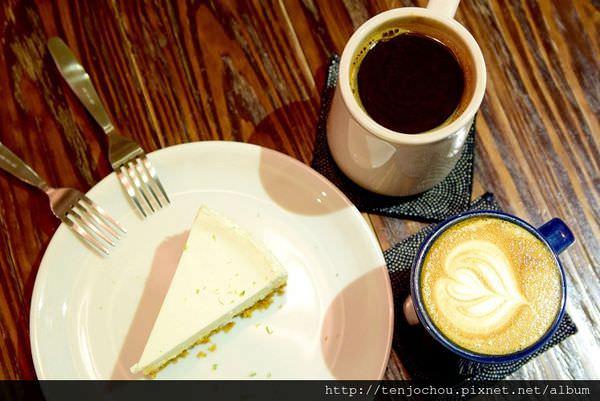 【台北食記】樂樂咖啡 東區不限時咖啡店推薦!手作蛋糕相當好吃!