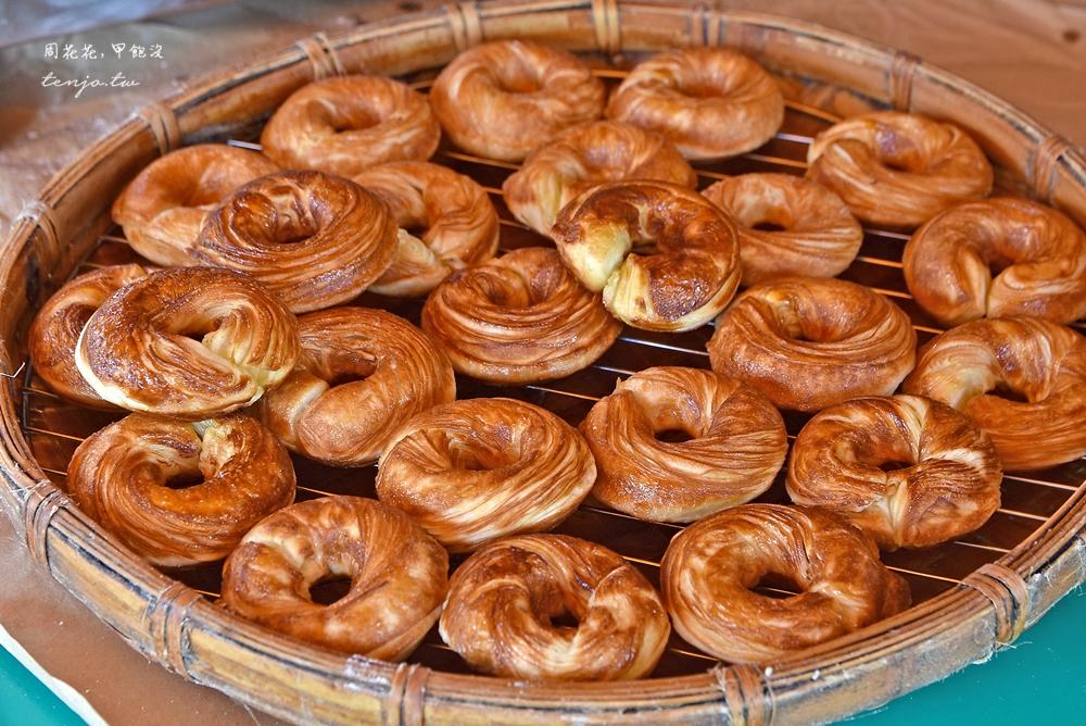 【嘉義奮起湖美食推薦】百年檜木甜甜圈 阿里山排隊必吃小吃!現烤滋味香酥美味