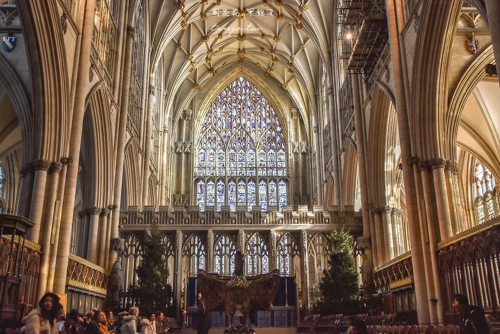 【英國約克景點】約克大教堂 歐北最大哥德式教堂!華麗彩色玻璃花窗陽光灑落時超級美